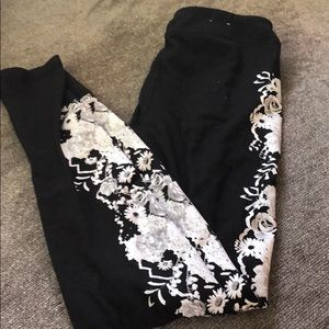 Size small SO leggings with floral print